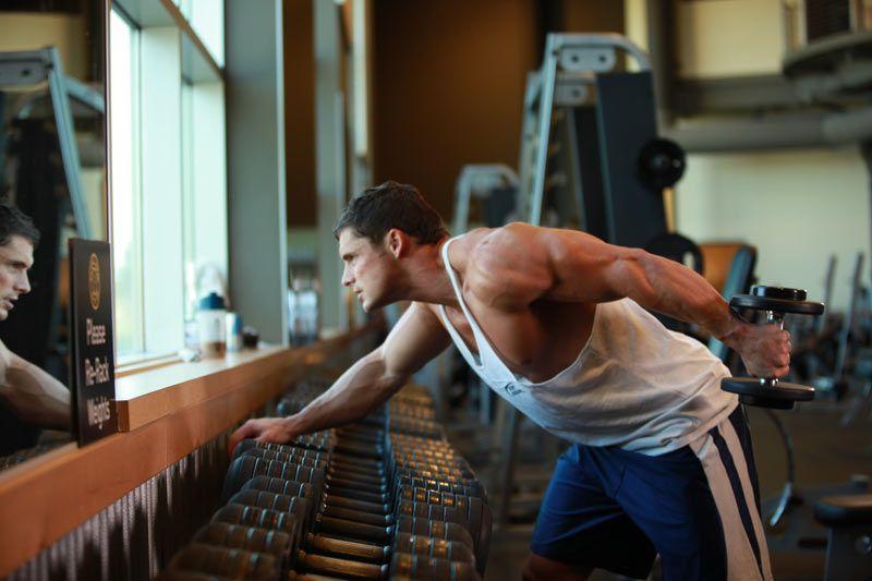 Ejercicios de Tríceps Brazos de forma alternada