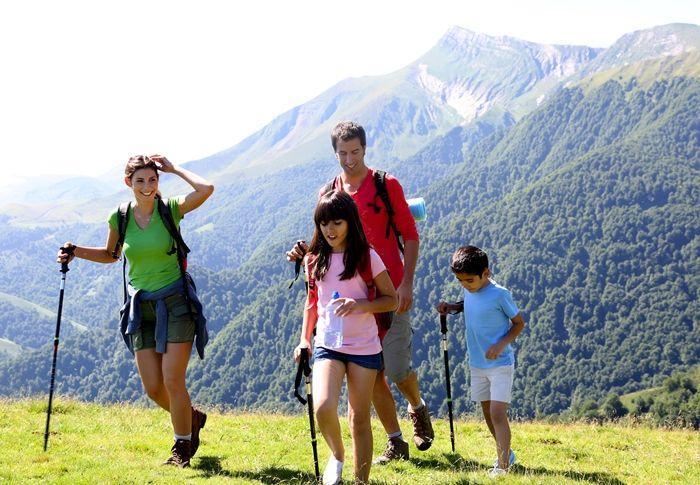 4 actividades deportivas para toda la familia enderismo