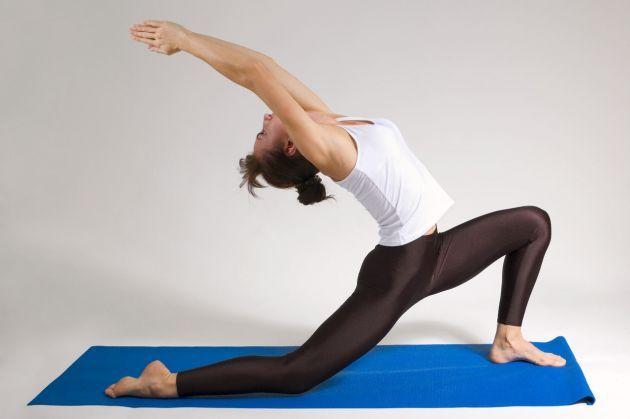ejercicios-de-yoga-para-abdominales-caderas-y-muslos
