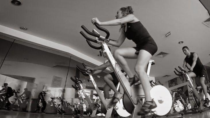 fabulosa-rutina-cardio-en-10-min-de-bicicleta-aumentara-tu-metabolismo