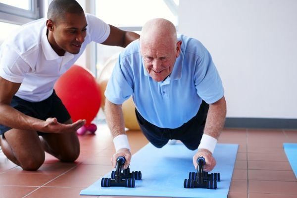 A los 50 años los hombres también se logran desarrollar musculatura entrenador